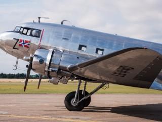 Douglas-DC-3-Dakota-Norway-LN-WND