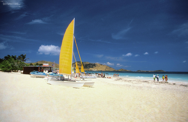 Na pasażerów KLM czekają nowe loty na wyspy: Tortola, Antiqua, Saba, St. Eustatius, St. Barts, St. Kitts, Nevis i Dominica