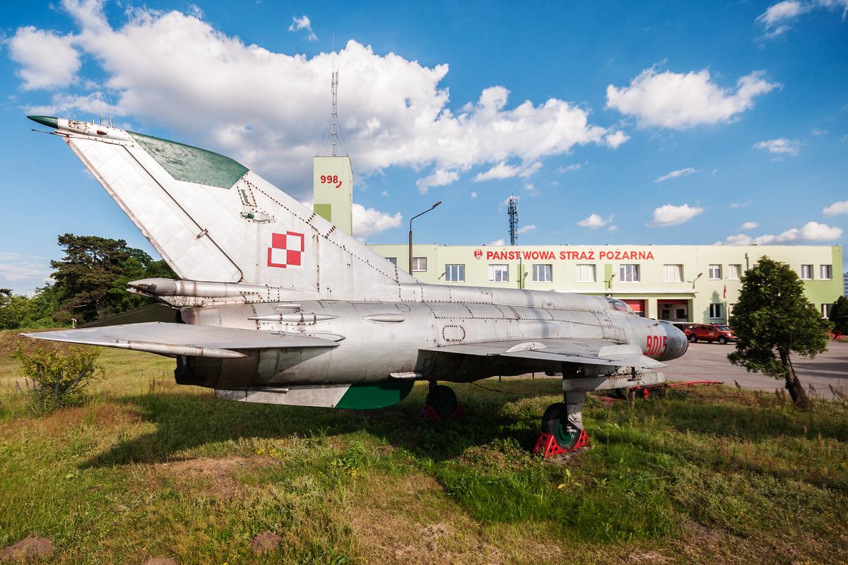 Śladami pomników lotniczych, część 12 –  MiG-21 (Toruń, Polska)