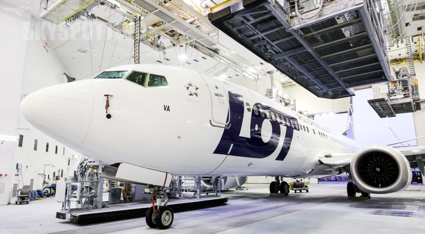 Pierwszy Boeing 737 MAX 8 LOT-u wylądował w Warszawie!