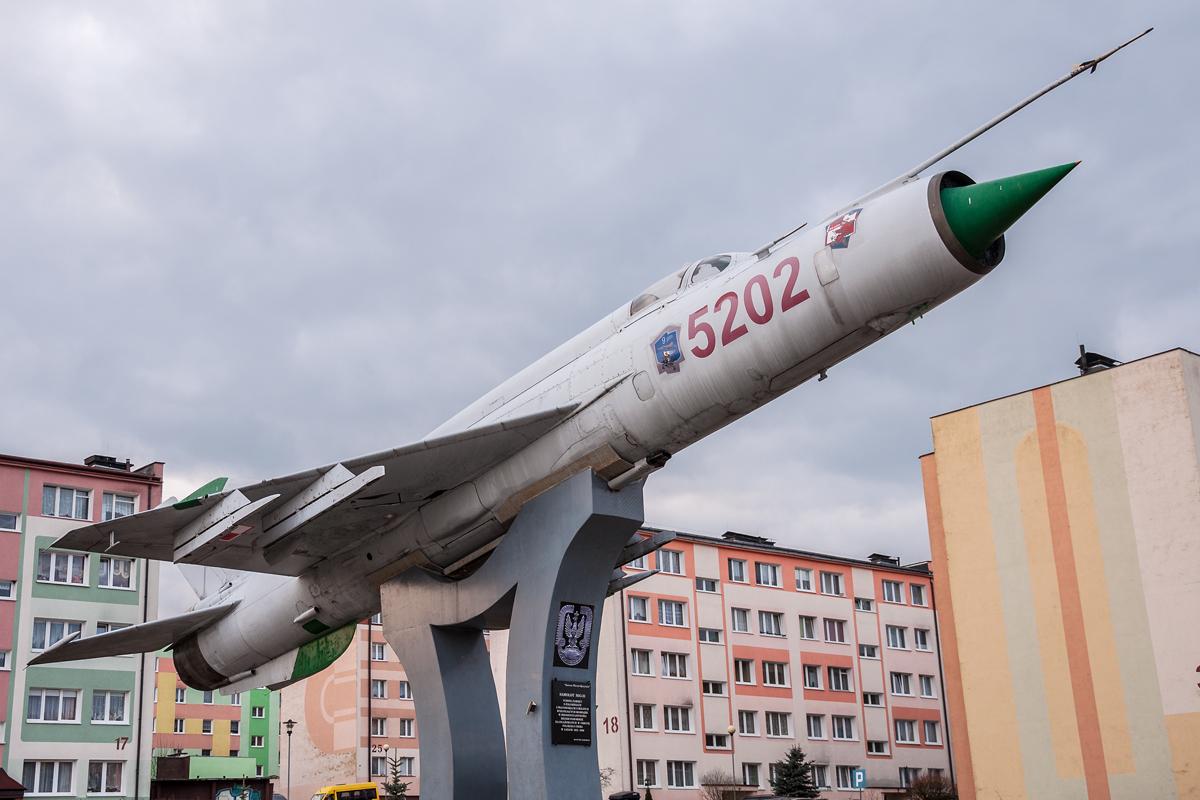 Śladami pomników lotniczych, część 30 – MiG-21 (Rosnowo, Polska)