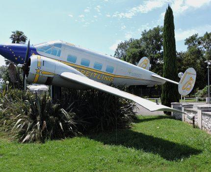 Śladami pomników lotniczych, część 36 – Beech (Cannes, Francja)