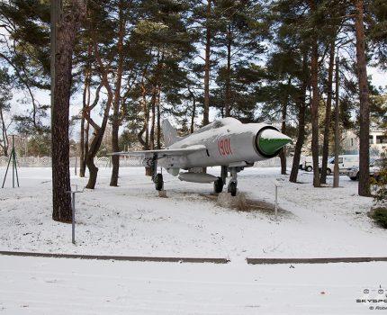 Śladami pomników lotniczych , część 40 – MiG-21PF Fishbed ( Mierzęcice , Poland )