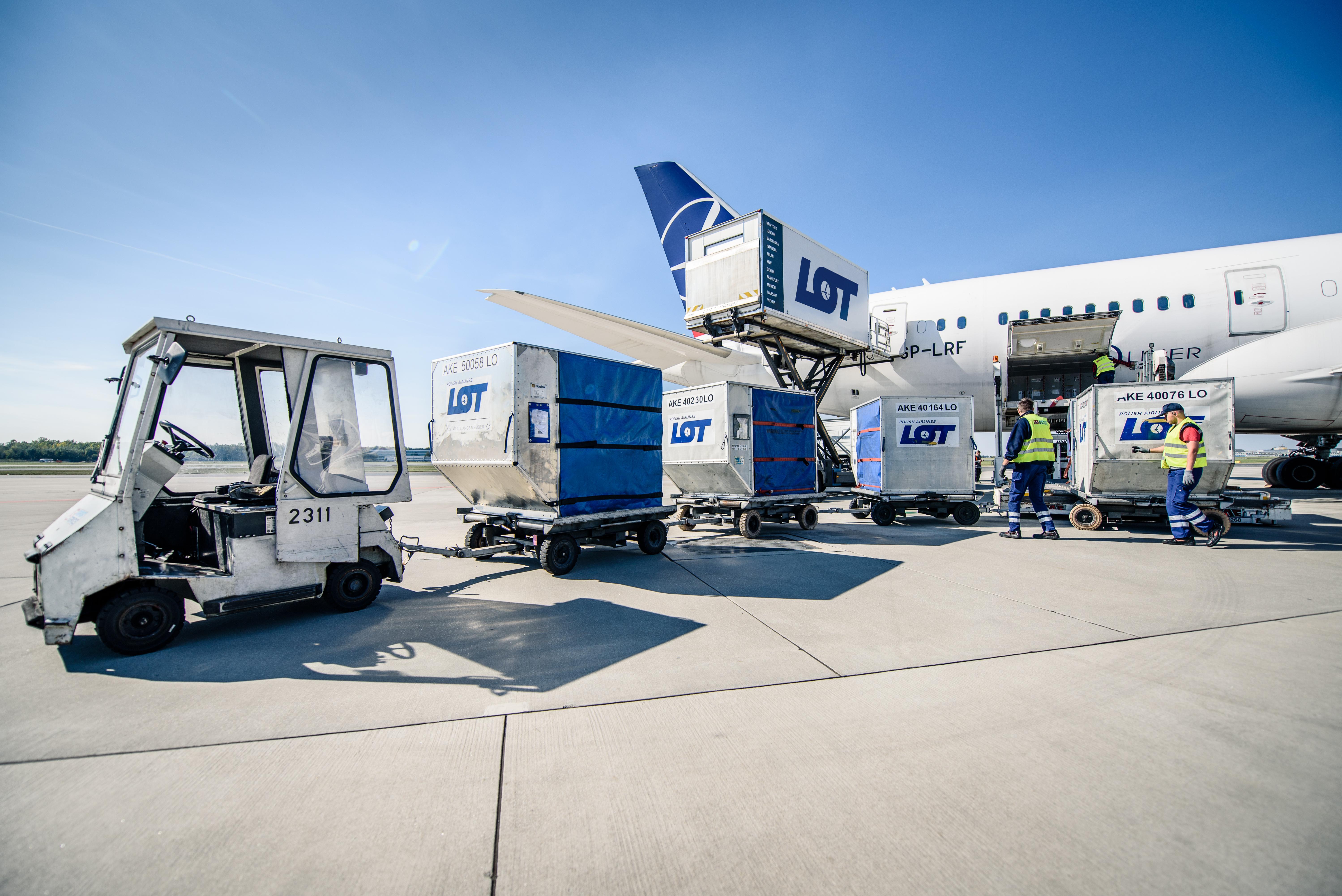 LOT Cargo wchodzi na rynek przewozu leków. Wystąpił o prestiżowy certyfikat IATA CEIV PHARMA
