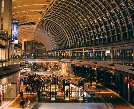10 najlepszych prezentów, które możesz kupić na lotnisku i przewieźć samolotem