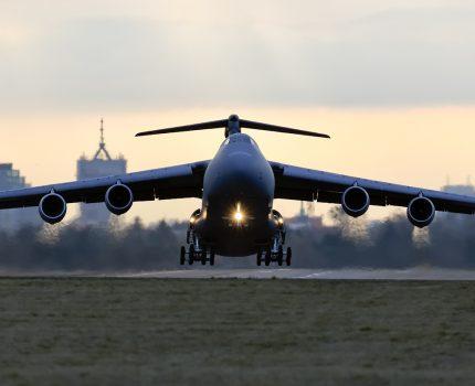 Pierwsza wizyta samolotu transportowego Lockheed C-5M Super Galaxy w Poznaniu.