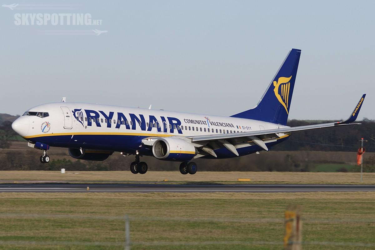 Ryanair ogłasza 2 nowe polskie bazy- Warszawa Modlin i Gdańsk