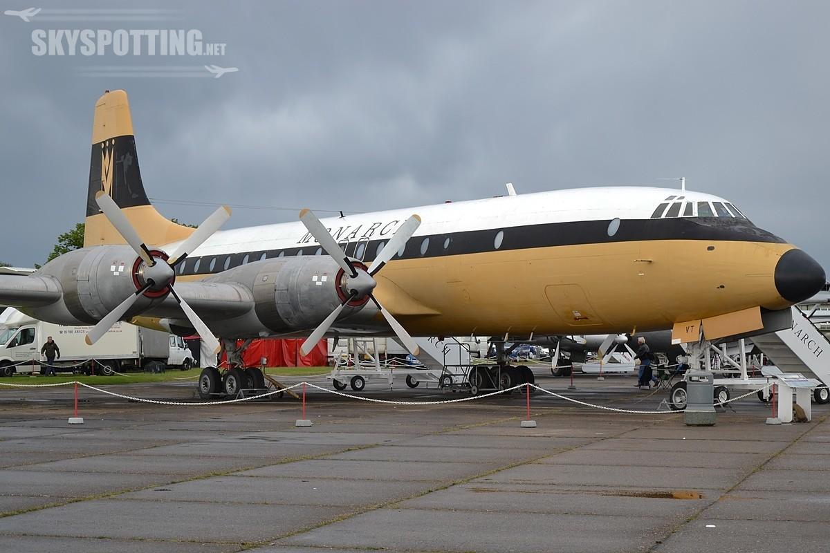 Monarch Airlines wybierają Boeinga na preferowanego oferenta na wymianę floty