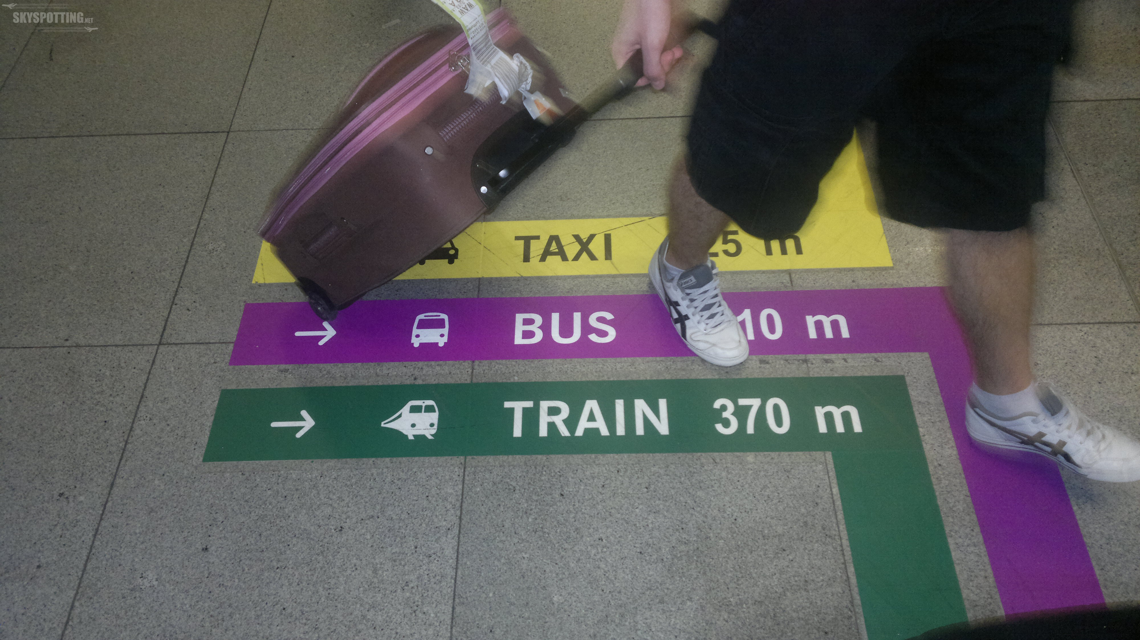Po linii do celu – nowe oznakowanie na Lotnisku Chopina