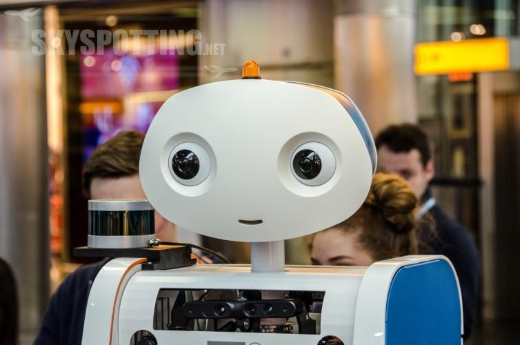 KLM przetestował robota