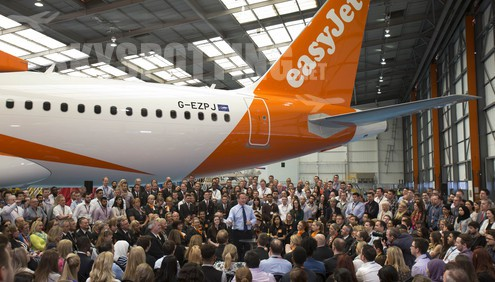 easyJet welcomes Prime Minister David Cameron to its Luton Headquarters