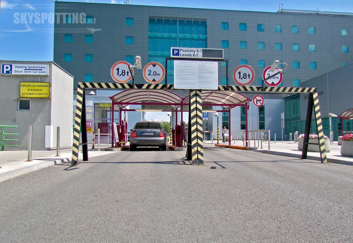 Zmiana organizacji parkowania na Lotnisku Chopina