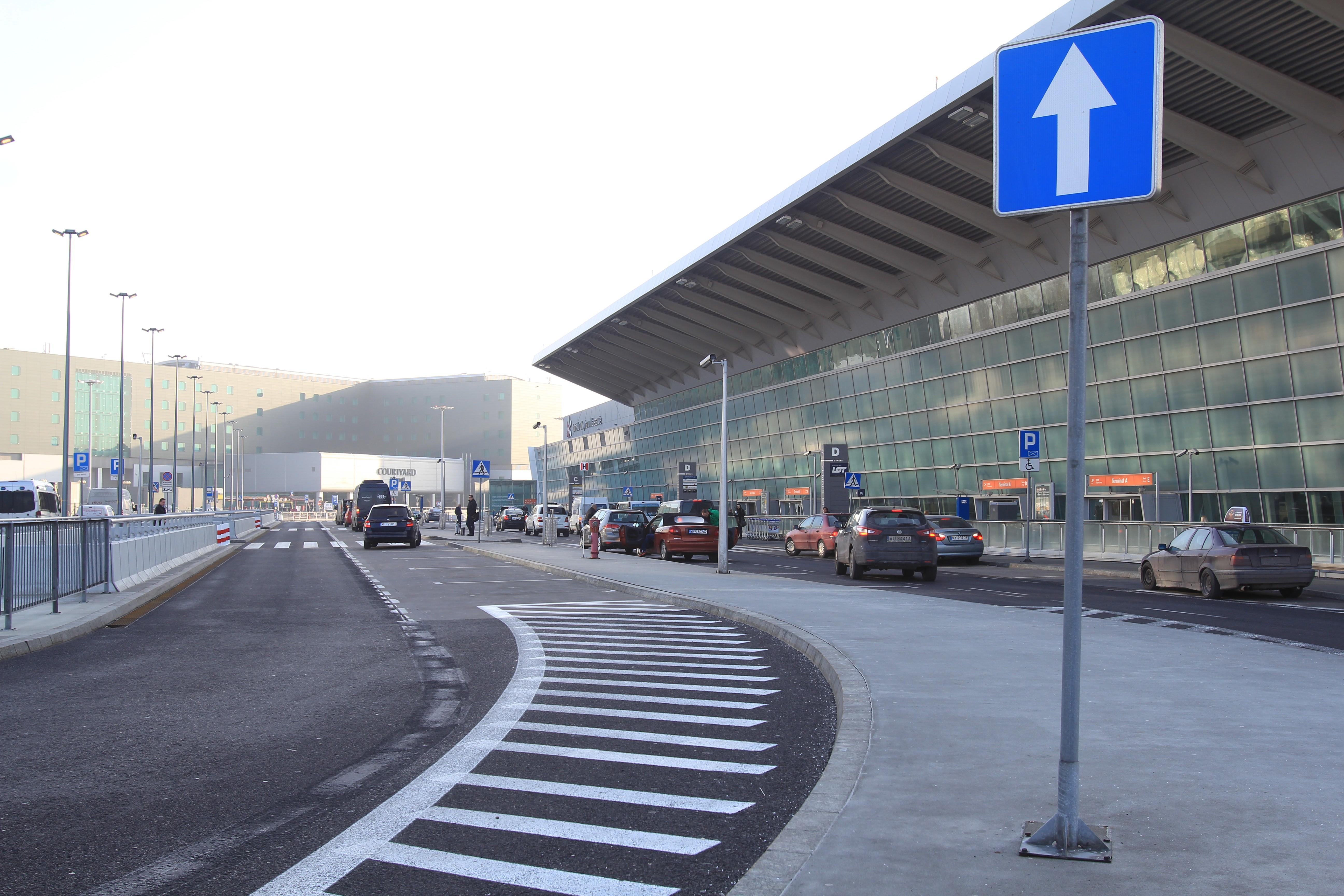 Sukces strefy Kiss&Fly na Lotnisku Chopina w Warszawie