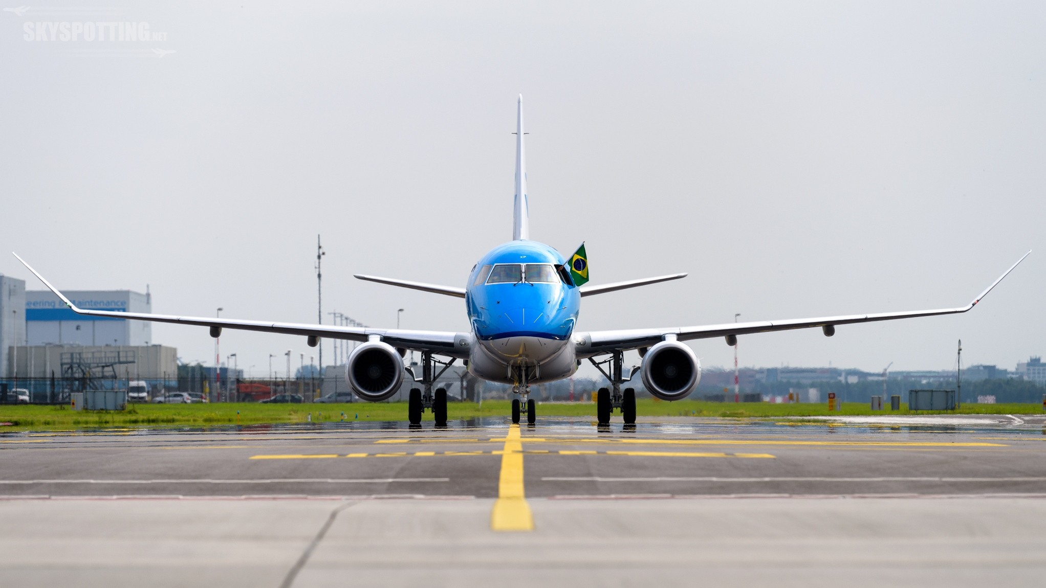 40-ty Embraer we flocie KLM