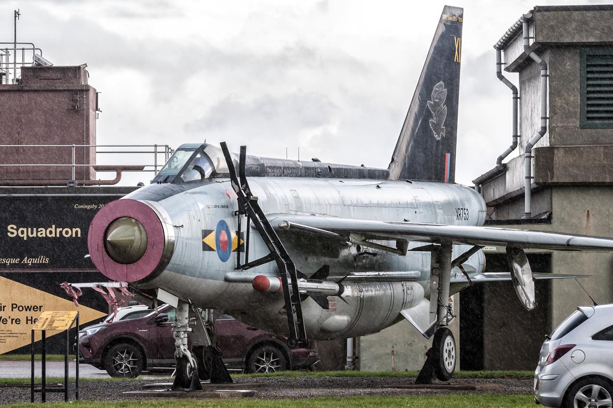 Śladami pomników lotniczych, część 18 – English Electric Lightning F.6, RAF Coningsby, UK