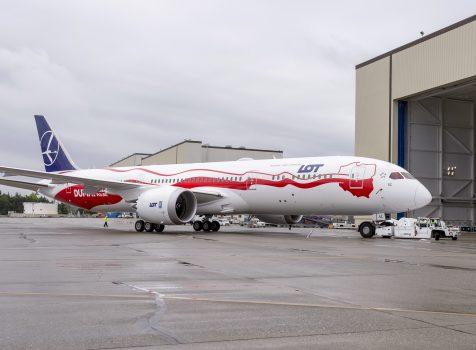 LOT zaprezentował biało-czerwonego Dreamlinera. Boeing 787-9 w polskich barwach w czerwcu przyleci do Warszawy