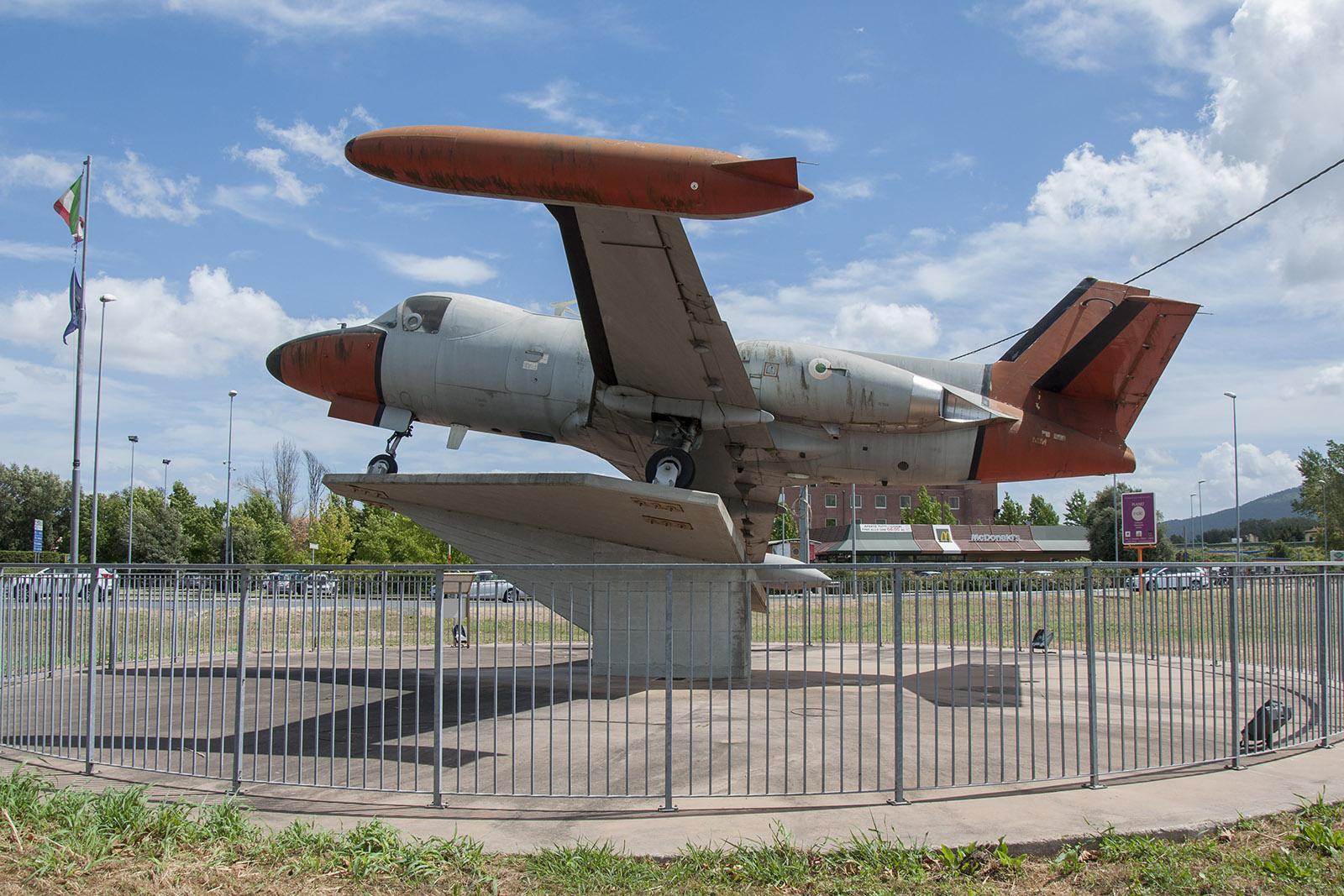 Śladami pomników lotniczych , część 27 – Piaggio PD.808 (Lucca, Italia)