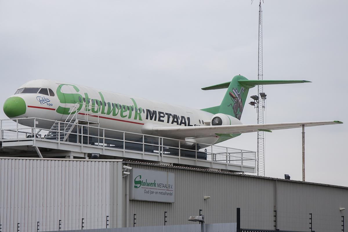 Śladami pomników lotniczych, część 29 – Fokker 100 (Breda, Holandia)