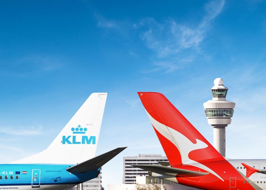 Australia w ofercie KLM KLM podpisuje umowę code-share z liniami Qantas. Wygodne podróże do Sydney, Brisbane, Perth i Melbourne przez Amsterdam i Singapur na jednym bilecie KLM