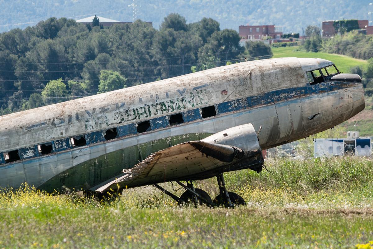 Śladami pomników lotniczych , część 34 – Douglas C-47B (Sabadell, Hiszpania)