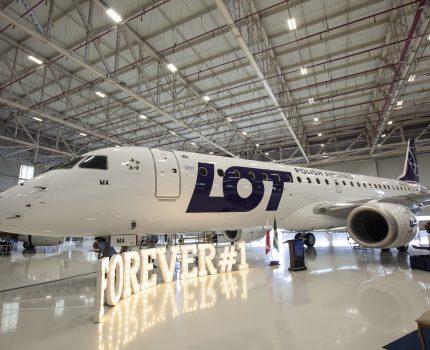 Nowe samoloty we flocie LOT-u.  Już 1 stycznia Embraery 190 zabiorą pierwszych pasażerów
