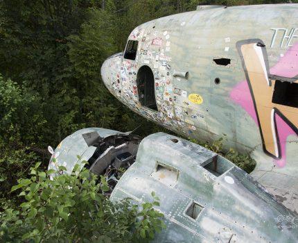 Śladami pomników lotniczych, część 45 – Douglas C-47B Skytrain (Željava, Croatia)