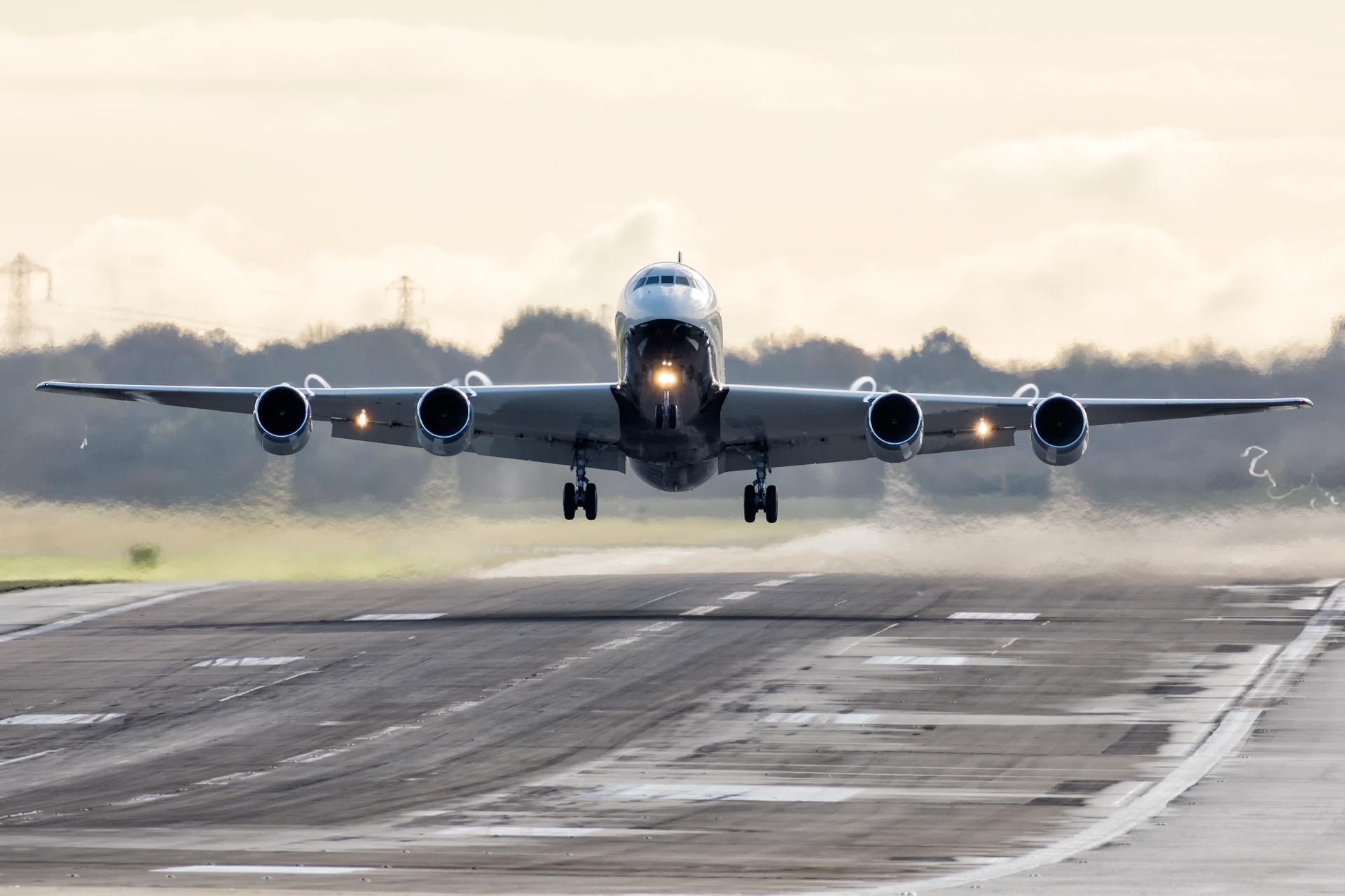 Douglas DC-8 w Birmingham!