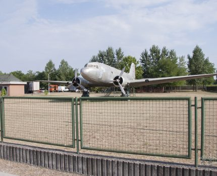Śladami pomników lotniczych, część 47 – Lisunov Li-2P (Bócsa, Węgry)