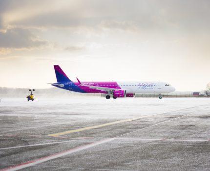 Wizz Air dostarcza sprzęt medyczny z Chin oraz przywozi obywateli Węgier ze Stanów  Zjednoczonych