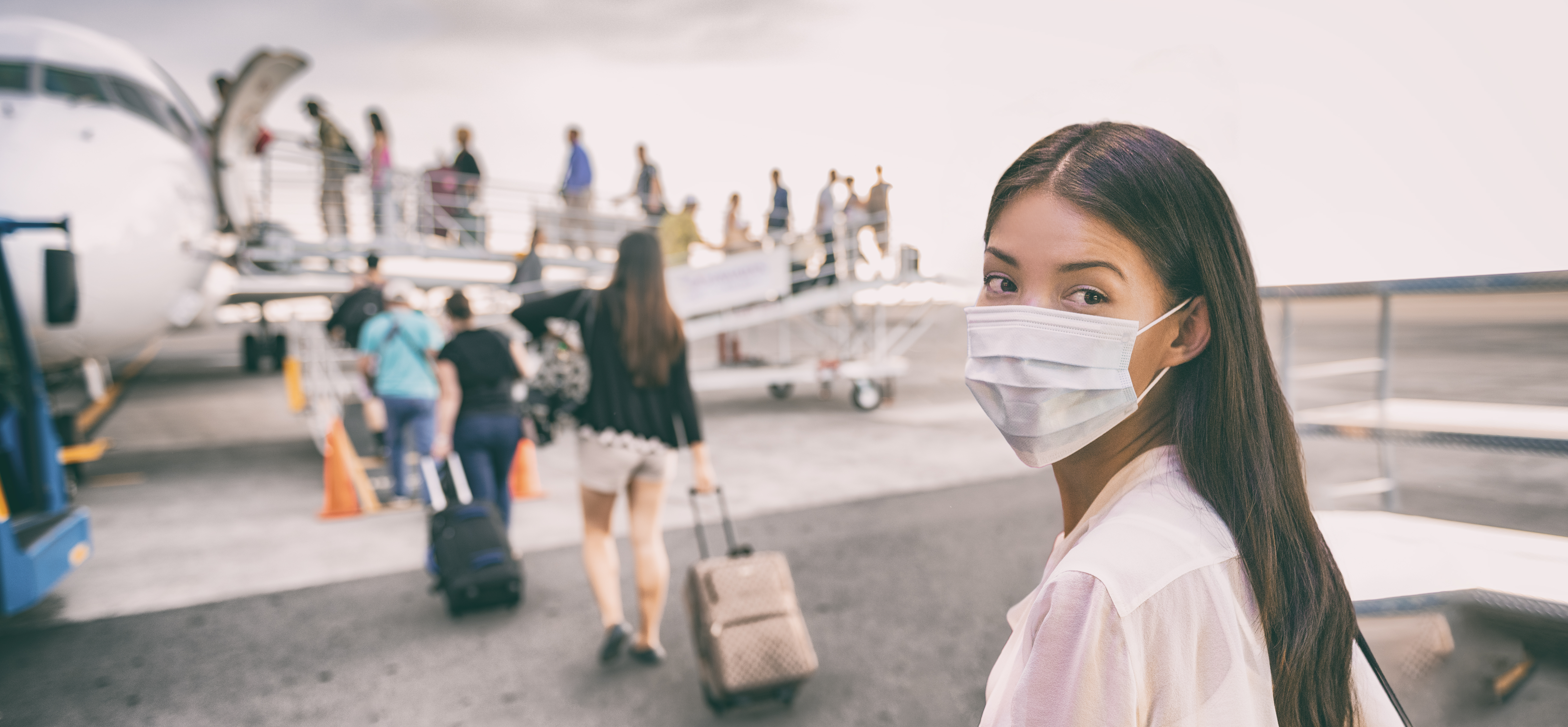 Koronawirus a prawa pasażerów. Linie lotnicze krytykują oświadczenie Komisji Europejskiej broniącej pasażerów